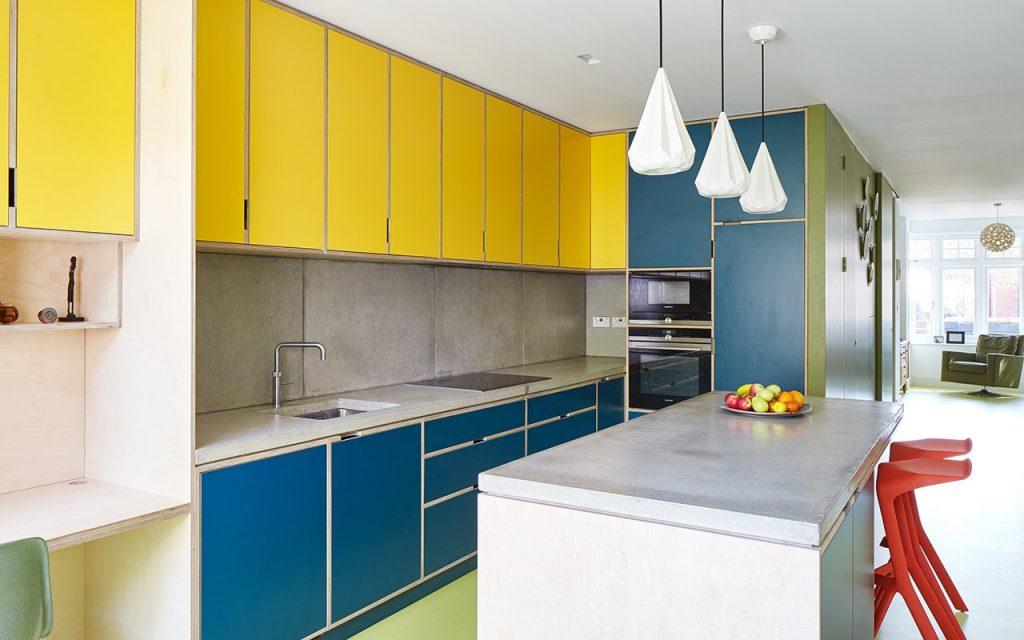 Cucine colorate dal design moderno e dalla forte personalità
