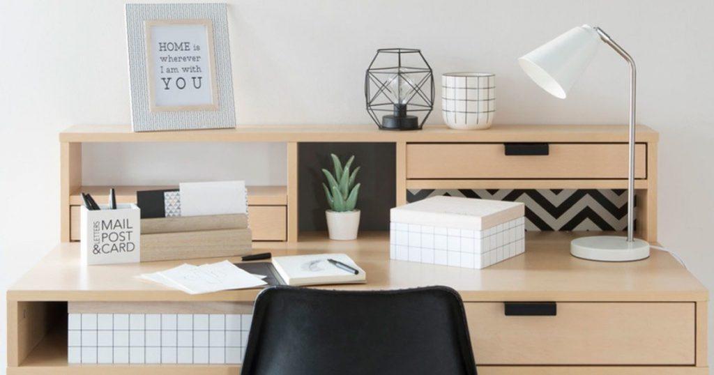 Organizzazione dell'ufficio: come sistemare la tua scrivania usando gli accessori giusti