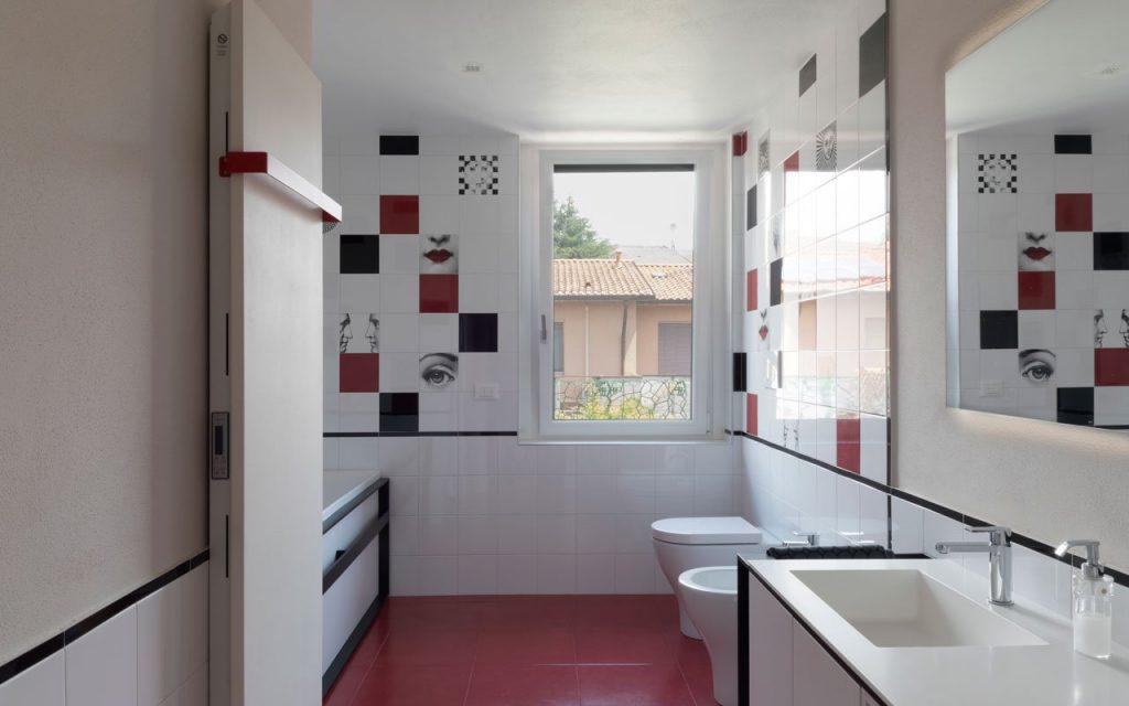 Come rivestire un bagno moderno | Storia del cantiere B12